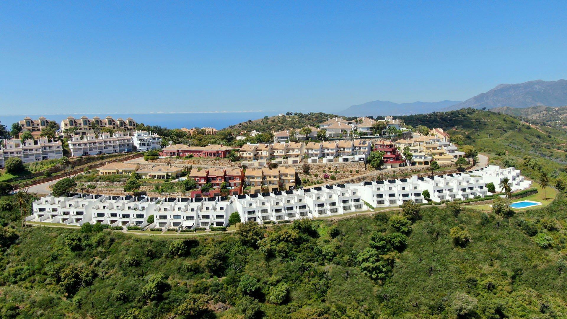 Albor Homes: Townhouses met indrukwekkend panoramisch uitzicht