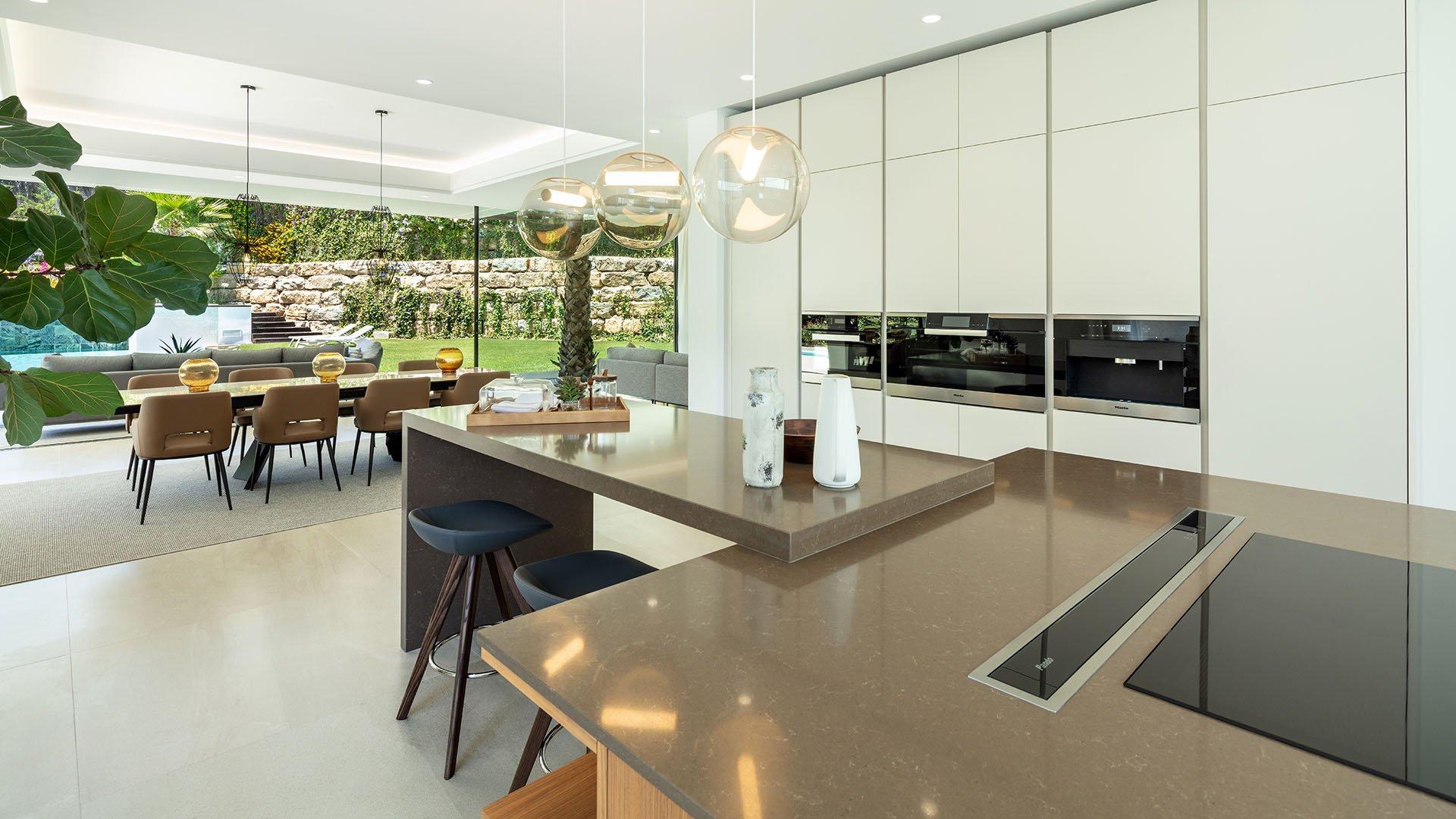 Alminar 5: Impressive contemporary villa in Marbella, Nueva Andalucia