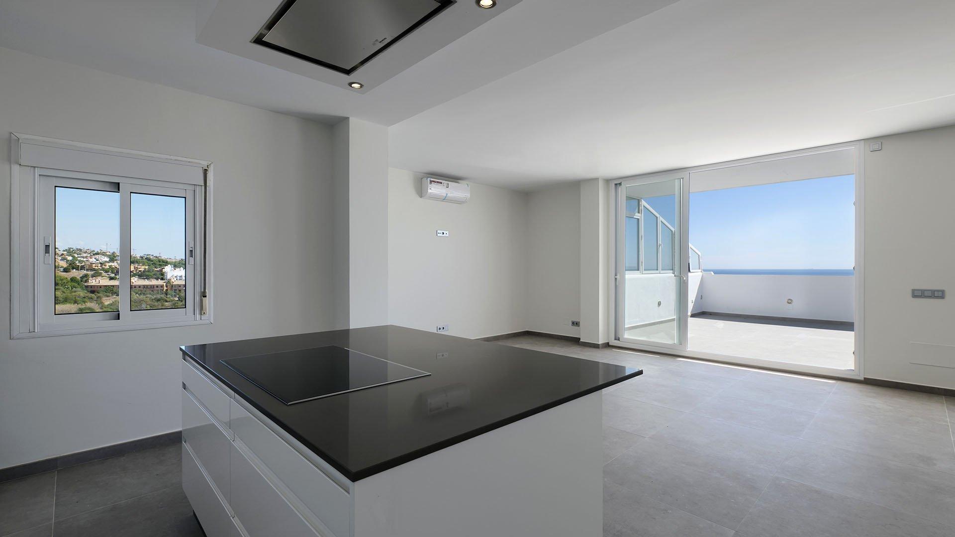 Bahia de Estepona 110: Eerste lijn strand duplex penthouse in Estepona