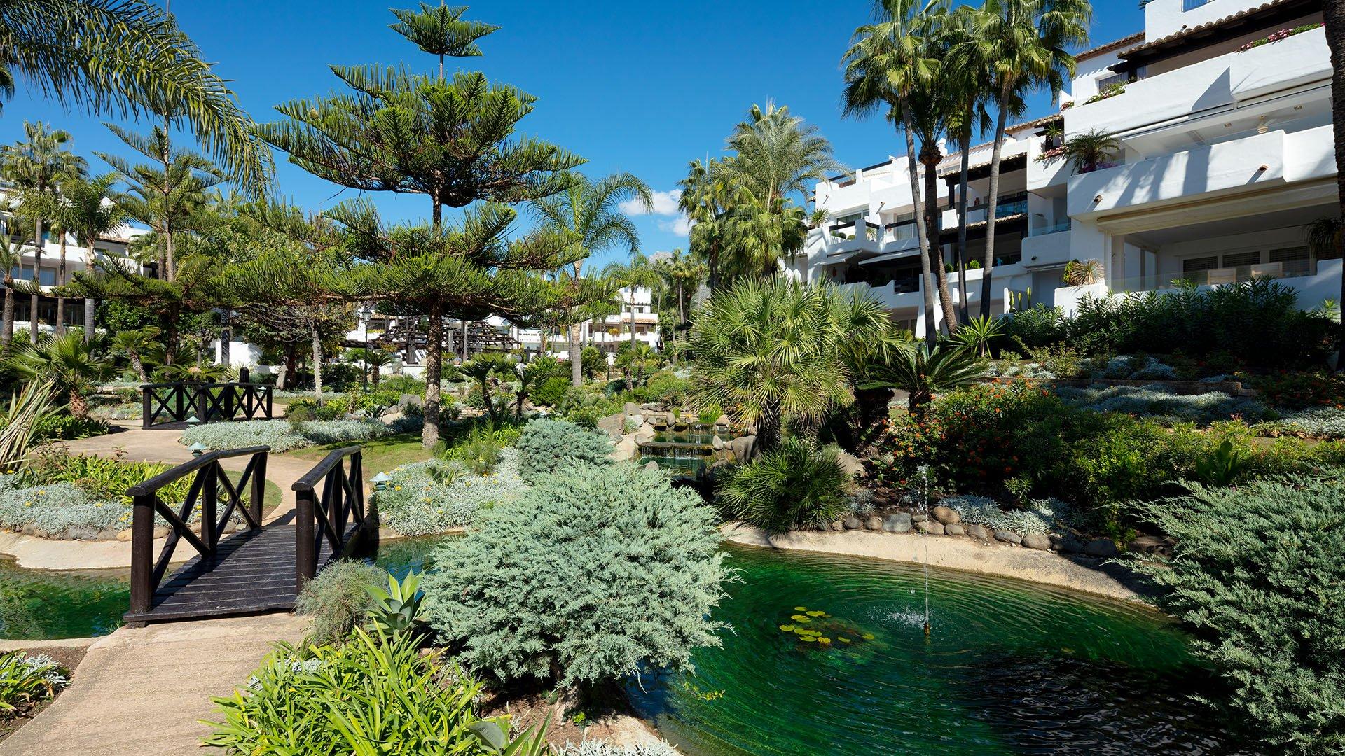 Dalia: Prachtig gerenoveerd appartement in Puente Romano, Marbella