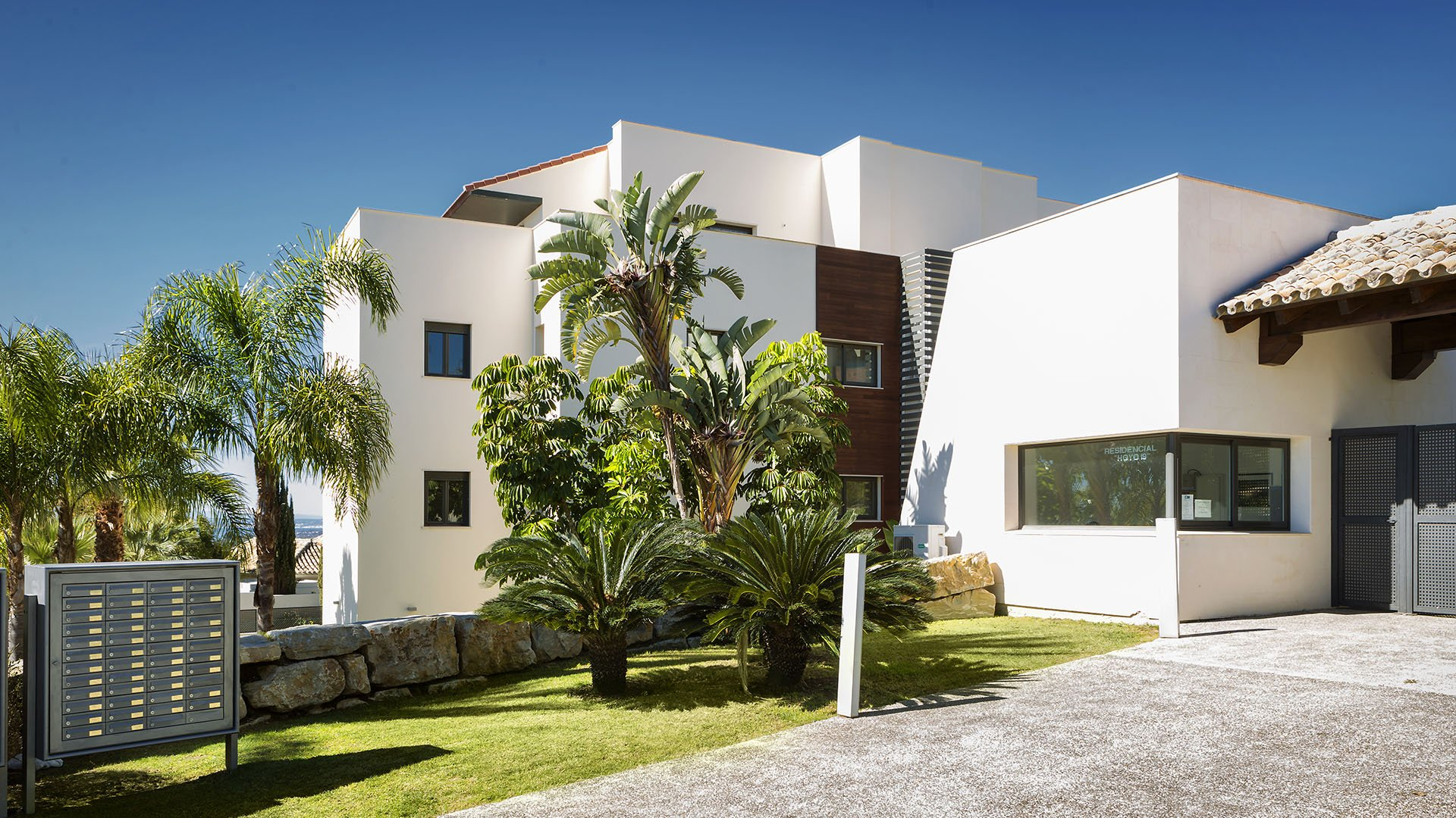 Hoyo 19: Apartments in the prestigious Los Flamingos on the New Golden Mile