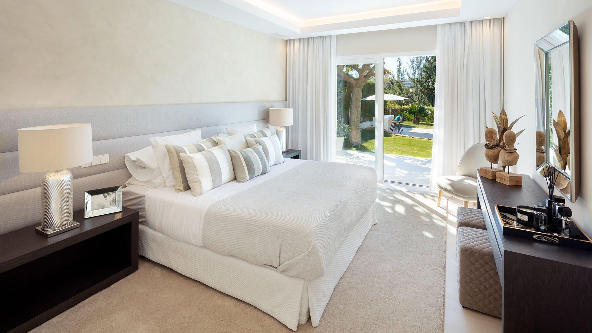 La Cerquilla 5: Beautiful front line golf villa at Los Naranjos Golf, Marbella