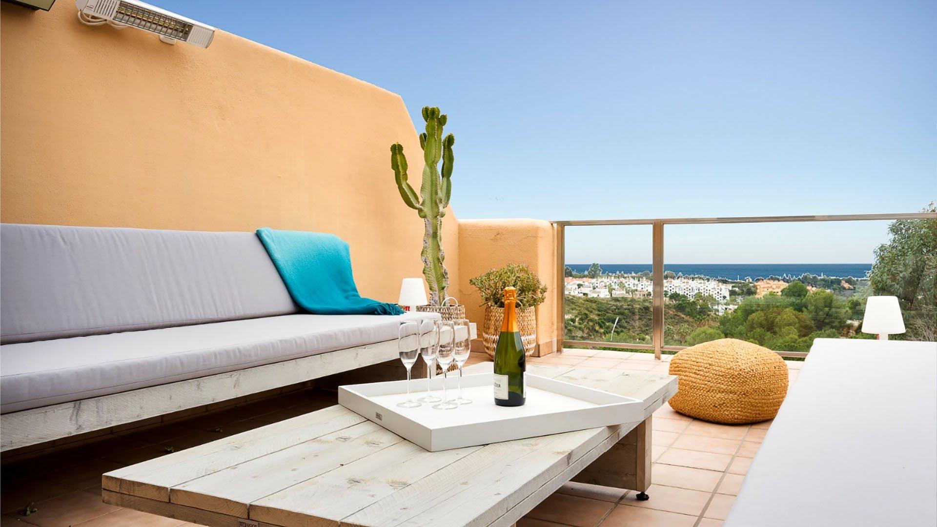 La Resina Golf 388: Gerenoveerde penthouse in Estepona op de New Golden Mile