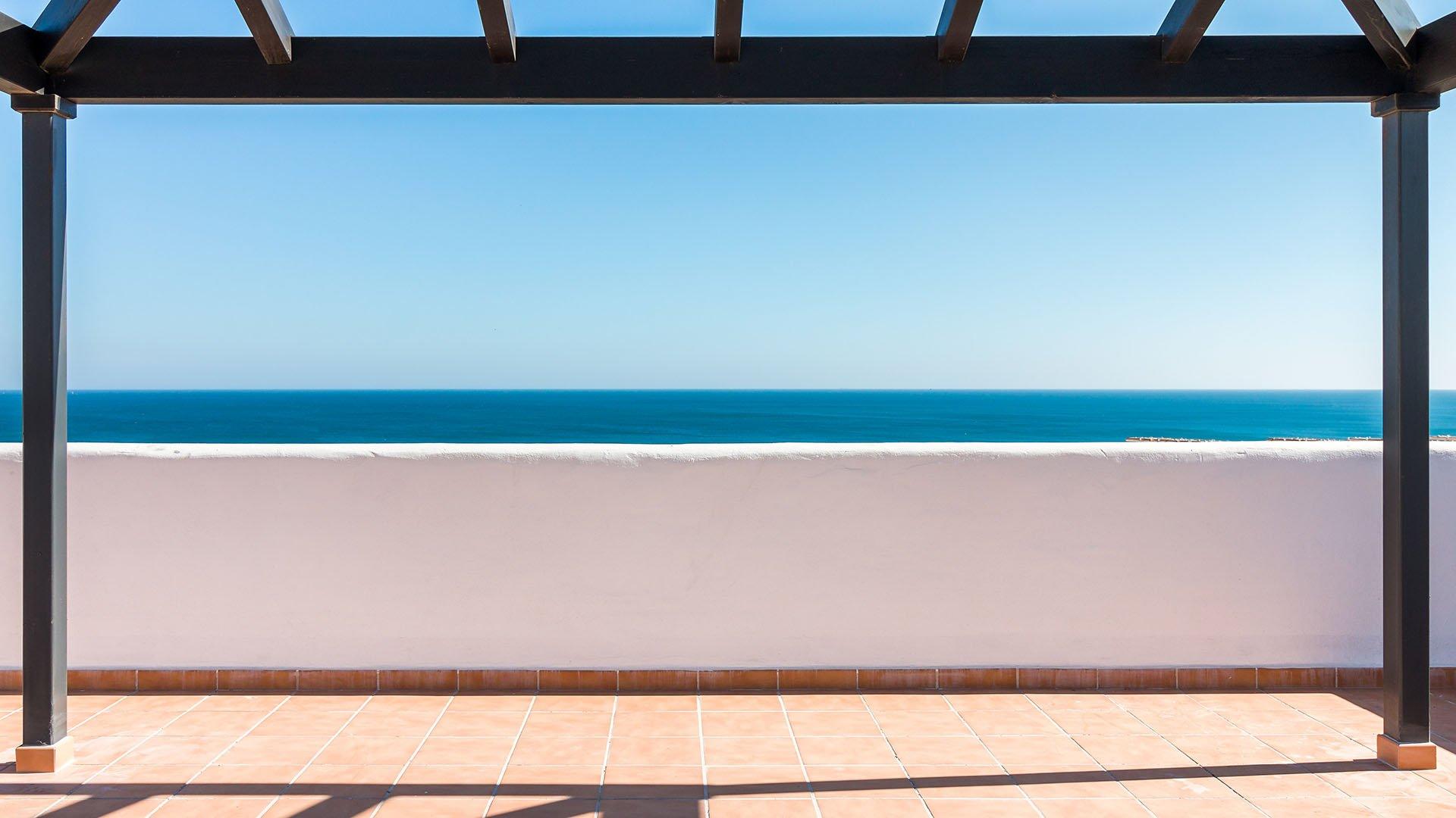 Lotus Doña Julia Casares: Moderne penthouses met zicht op zee en golf