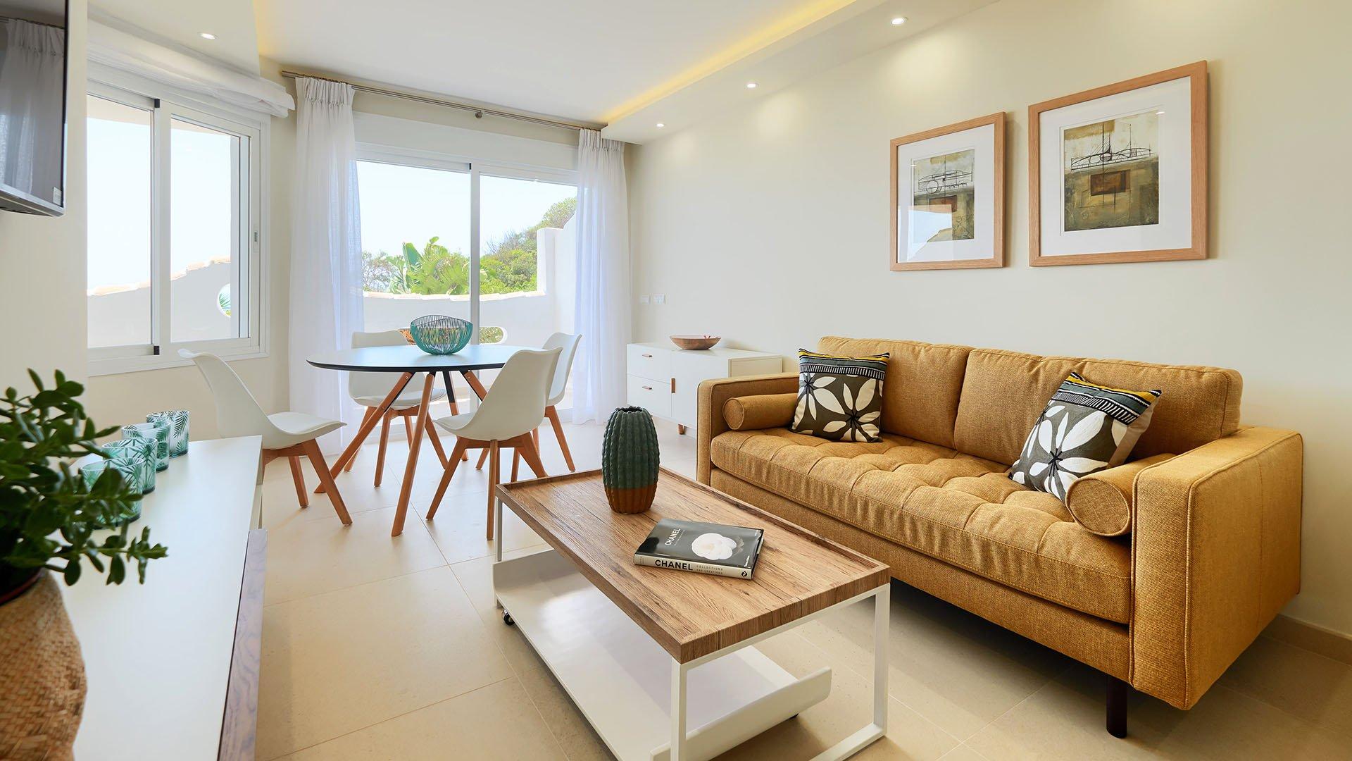 Royal Beach: Eerste lijn strand appartement in Calahonda