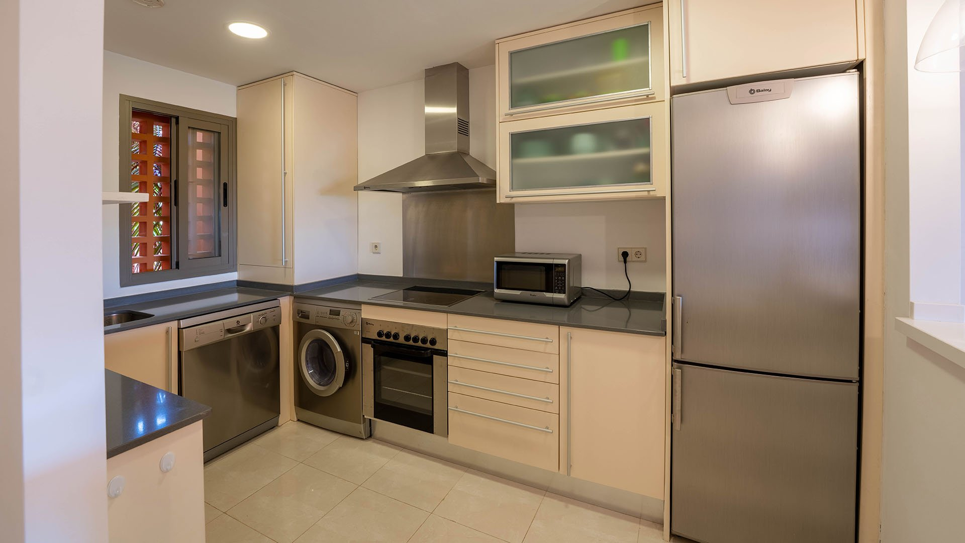 Sotoserena: Apartment in Estepona at walking distance from the beach
