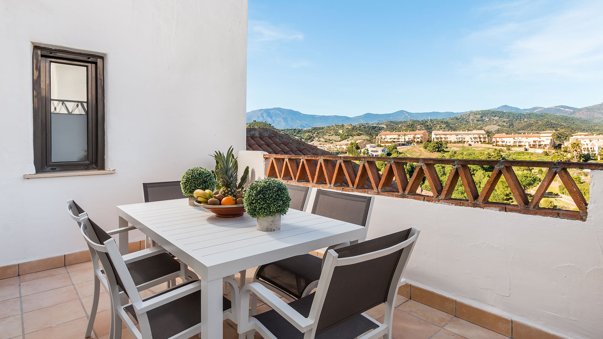 Sunset Golf Estepona: Penthouses in a Mediterranean residential area close to Marbella