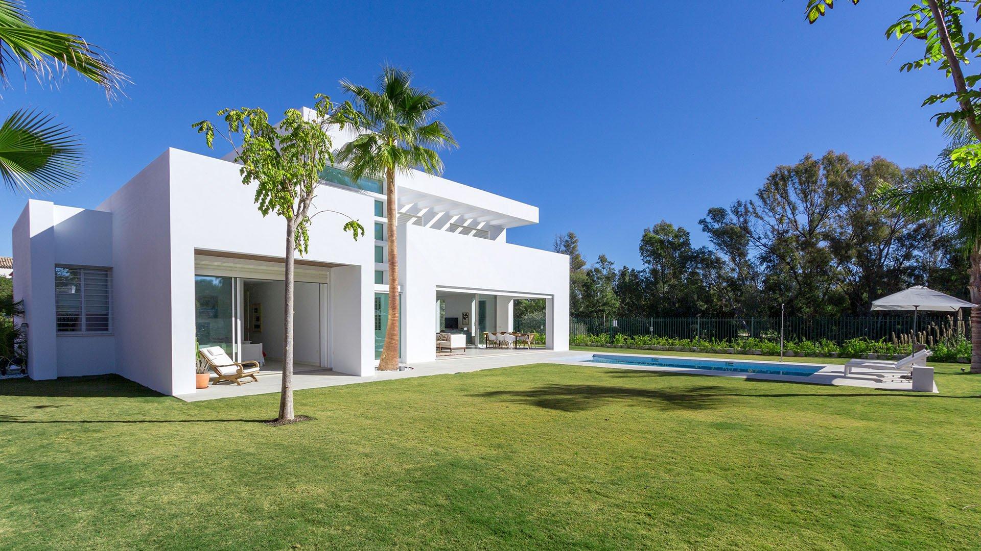 Villa Guadalmina Baja: Modern villa next to the Guadalmina Golf in Marbella