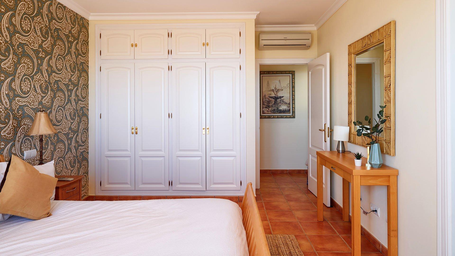 Villa Monte Mayor E5: Charming villa with fantastic sea and mountain views in Benahavís