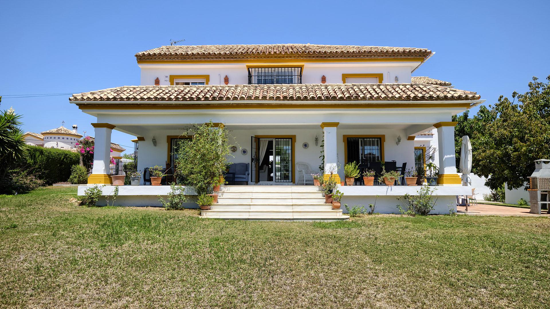Villa Valle del Sol: Traditional villa in Marbella close to Guadalmina Golf