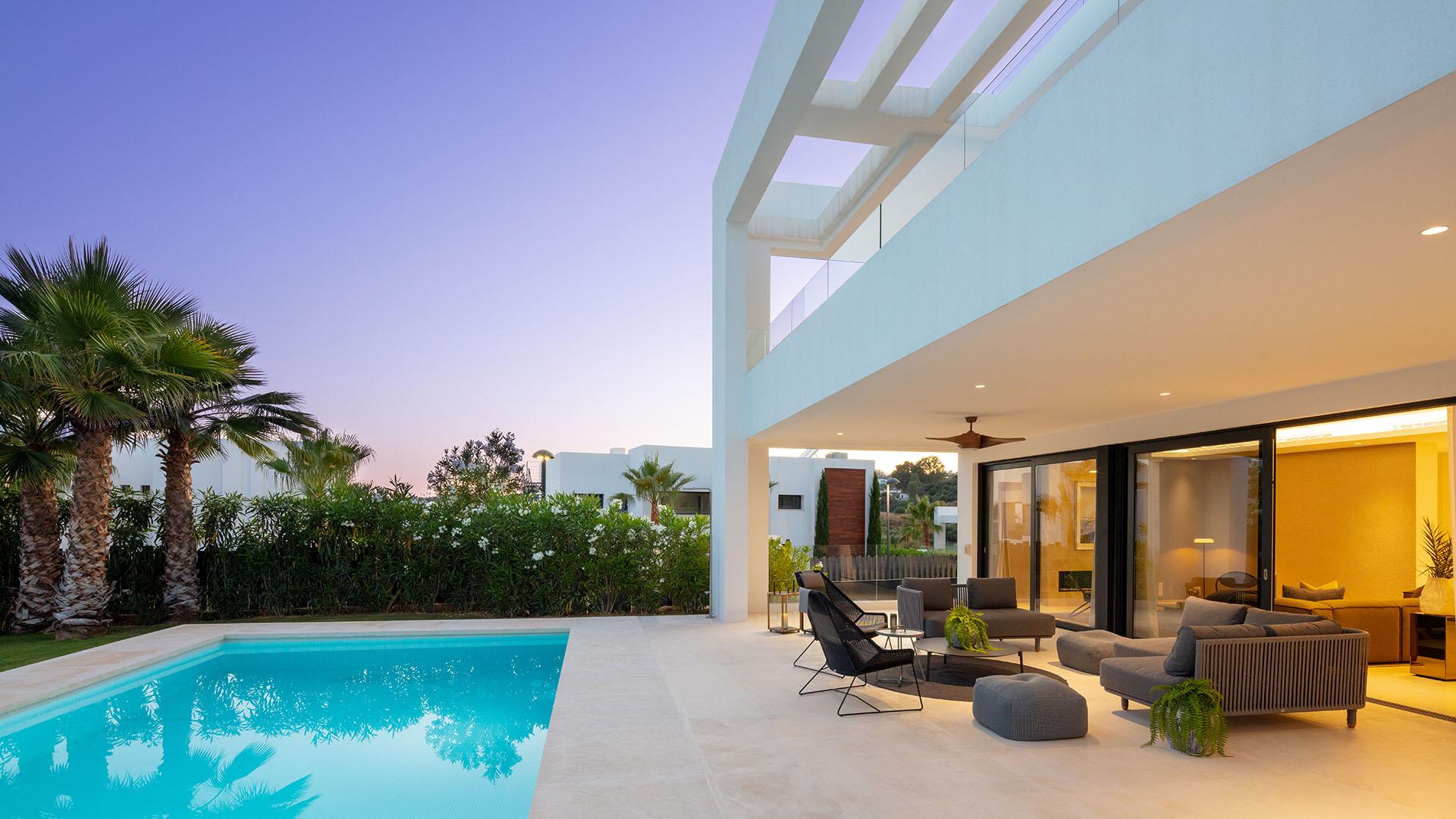 Los Olivos 10: Luxury family home in Nueva Andalucía