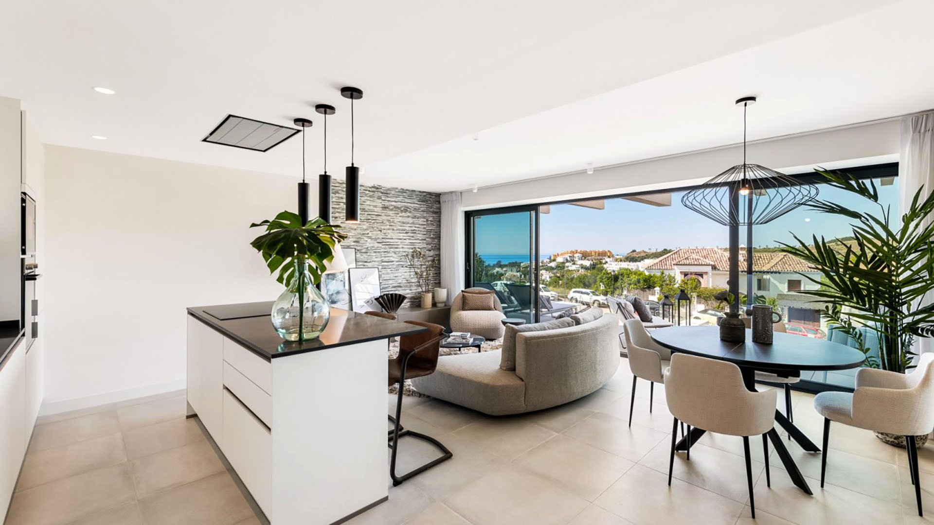 Oasis 325: Well priced apartments in Estepona