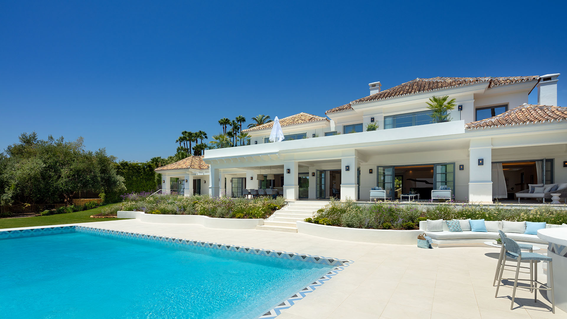 Villa Feliz: Elegant luxury villa with sea views in Marbella